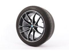 BMW Winterkompletträder Z4 G29 18 Zoll Styling 770 V-Speiche