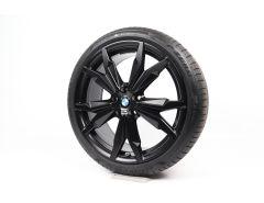 BMW Sommerkompletträder X1 F48 20 Zoll Styling 717 M Doppelspeiche