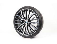 BMW Velgen met Zomerbanden 6 Serie G32 7 Serie G11 G12 21 Inch Styling 687 V-Speiche