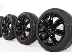 Velgen met Winterbanden F54 Clubman 17 Inch Styling Bridge Spoke 528